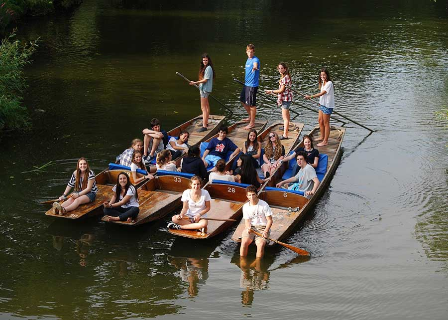 Floating raft of punts